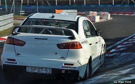 Marad a BMW