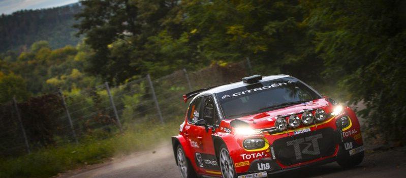 A sötétben való versenyzésre is tesztelték Csucsuék a Citroën-t!
